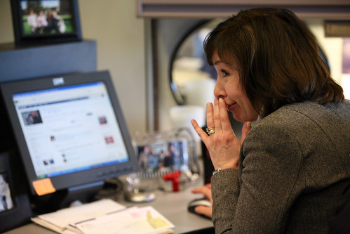 Personal bonds formed with coworkers on social media benefit organizations.