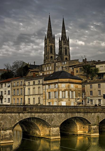 Notre Dame Desde El S Vre Niort F Flickr Photo Sharing