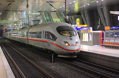 ICE 3 am Frankfurt-Flughafen Fernbahnhof