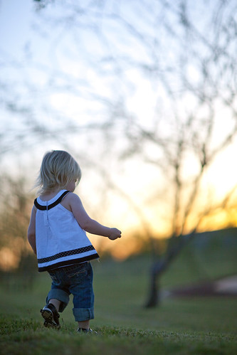 camera blue trees sunset arizona portrait baby blur color tree green grass yellow female digital canon kid colorful dof child bokeh naturallight tempe payton tempetownlake hbw canonef85mmf12liiusm canoneos5dmarkii tempecenterforthearts happybokehwednesday 5dmarkii
