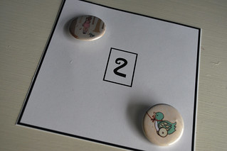 2 buttons counting card