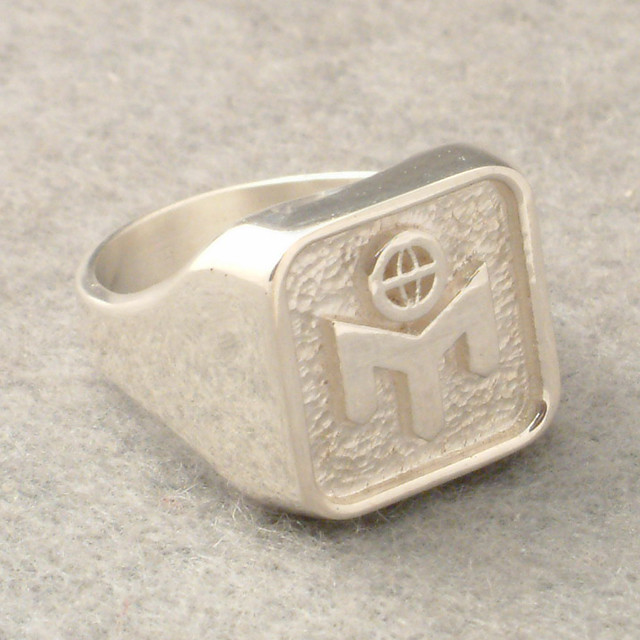 Exclusive signet rings Pictures, Images, Photos, Wallpapers