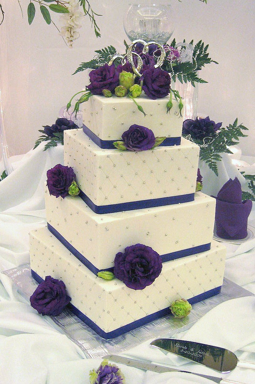 purple and white square wedding cakes white and purple square wedding cake a photo on flickriver 18881