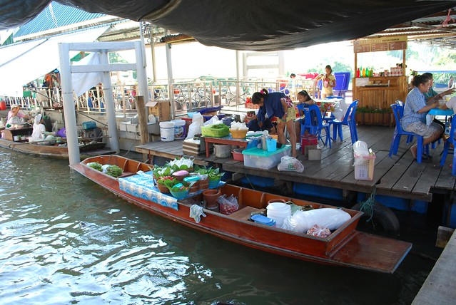 Canal-side dining - Taling Chan Floating Market