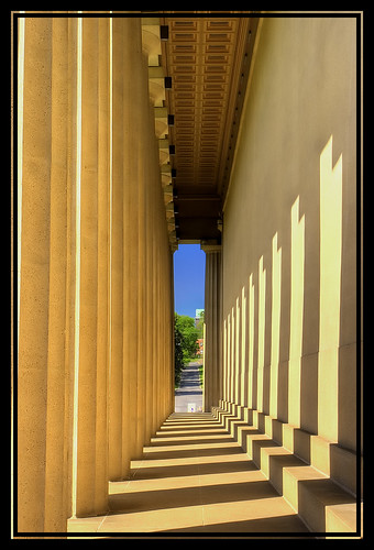 canon nashville tennessee hallway parthenon firstplace distance soe canonef1740mmf4lusm centennialpark blueribbonwinner middletennessee xti canoneos400d platinumheartaward goldstaraward fickrestrellas oneofmypics