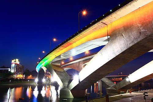 214I高速公路碧潭橋