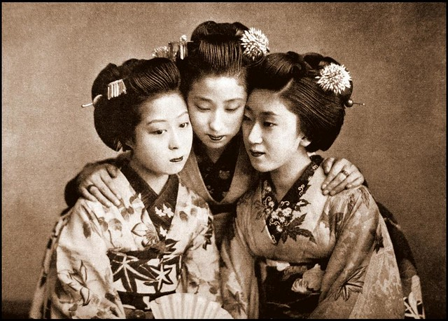 SEPIA SISTERS in OLD JAPAN