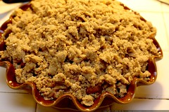 pie w/crumb topping before baking     MG 4724