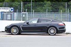 automobile(1.0), executive car(1.0), family car(1.0), wheel(1.0), vehicle(1.0), performance car(1.0), automotive design(1.0), porsche(1.0), porsche panamera(1.0), bumper(1.0), land vehicle(1.0), luxury vehicle(1.0),