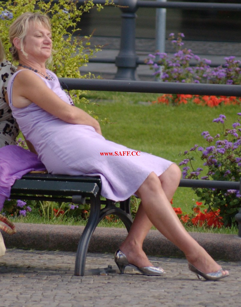 Candid legs milf and mature