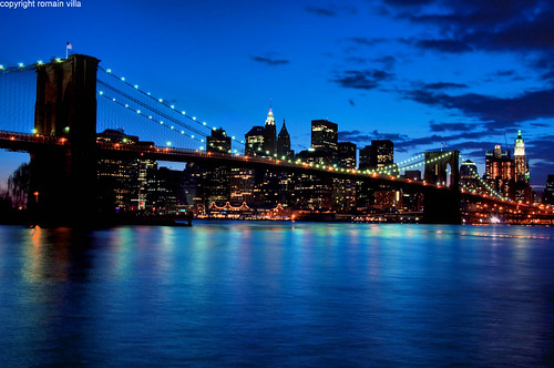 new york city nyc longexposure bridge blue usa ny newyork monument skyline brooklyn night america buildings reflections river lights nikon long exposure skyscrapers shot d manhattan united riviere east hour villa pont states nuit reflets romain dri heure lumieres batiment bleue ciels gratte etatsunis d90 amerique romainvilla romvi