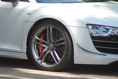 automobile, automotive exterior, executive car, wheel, vehicle, automotive design, rim, audi r8, bumper, land vehicle, luxury vehicle, sports car,