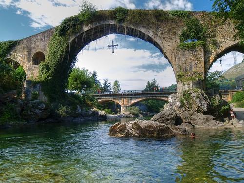 water rio reflections puente spain asturias romano reflejos puenteromano aplusphoto fbdg olétusfotos