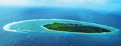 archipelago(0.0), bay(0.0), lagoon(1.0), atoll(1.0), sea(1.0), ocean(1.0), island(1.0), wind wave(1.0), coast(1.0), islet(1.0),