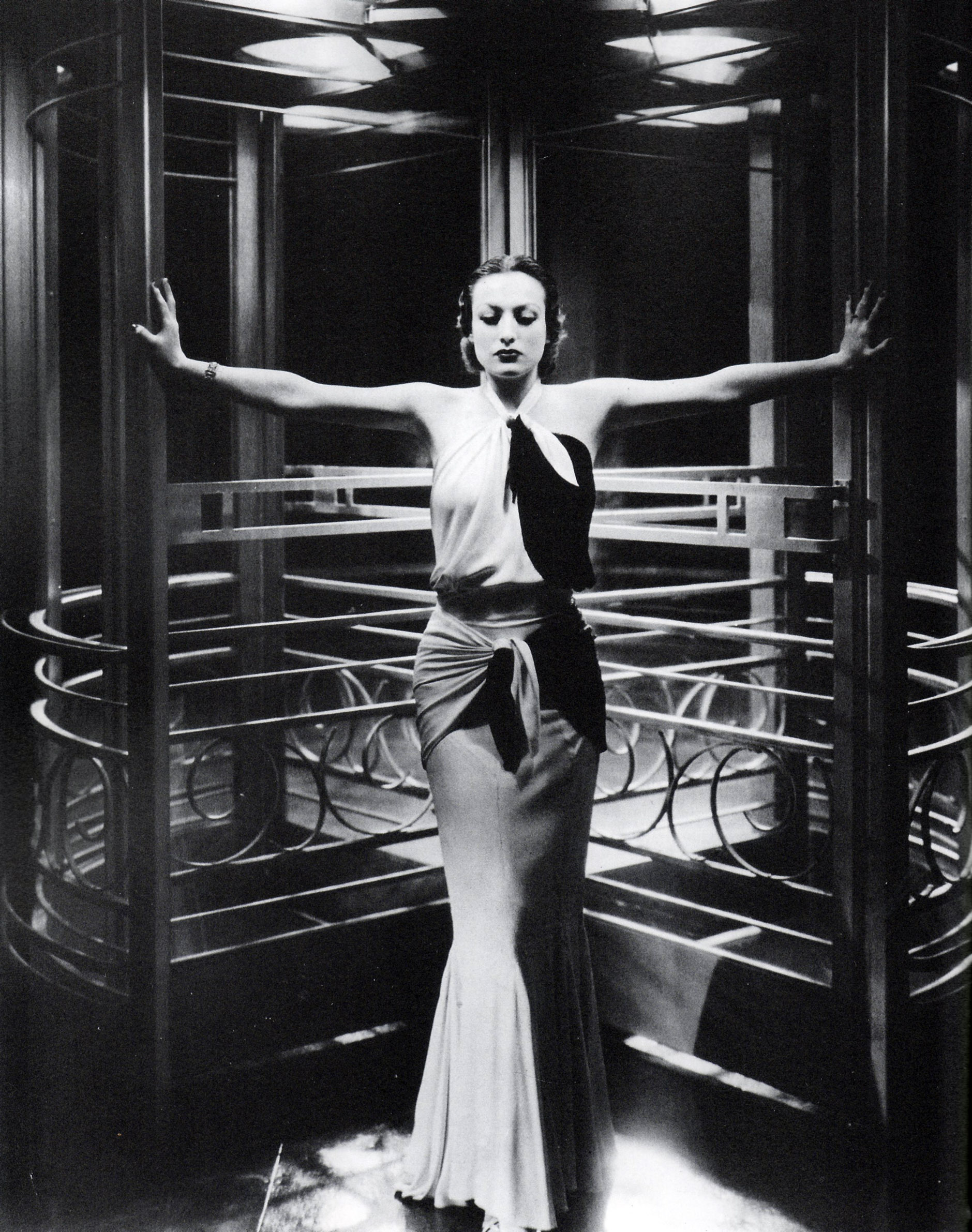 Joan Crawford, 1932