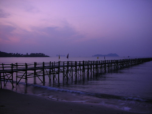 misty sunrise thailand pier boat waiting kotao solemn