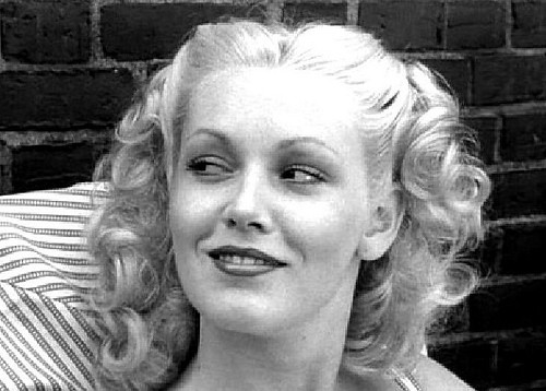 Cathy Moriarty - Wallpaper Gallery