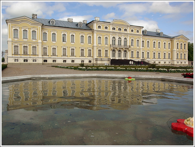 Rundale Palace by CC user dainismatisons on Flickr