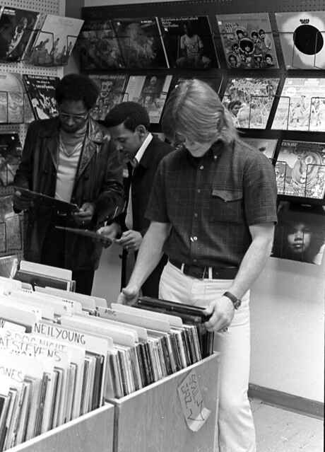 Buying LPs in MBSC_Fall 72_2