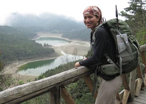 與翠峰湖合影