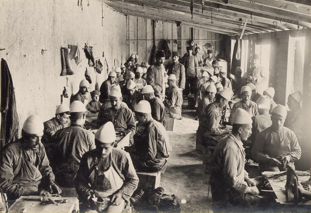 47-OTTOMAN SOLDIERS ARMY BOOT-MAKERS, BEERSHEBA, 1917