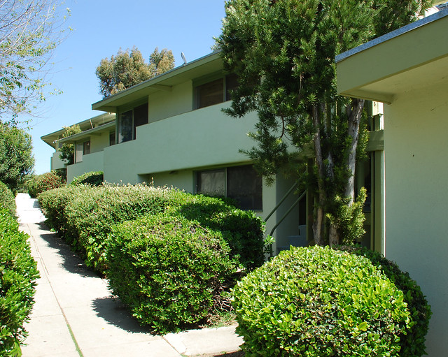 Laurelwood apartments flickr photo sharing for Laurelwood