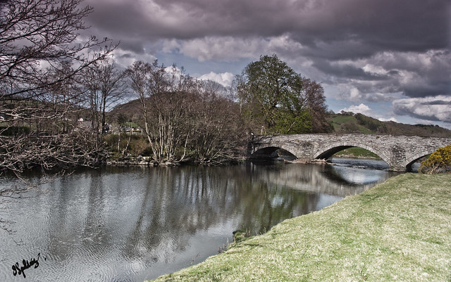The bridge over the Dee at Llandderfel.by Pixellie
