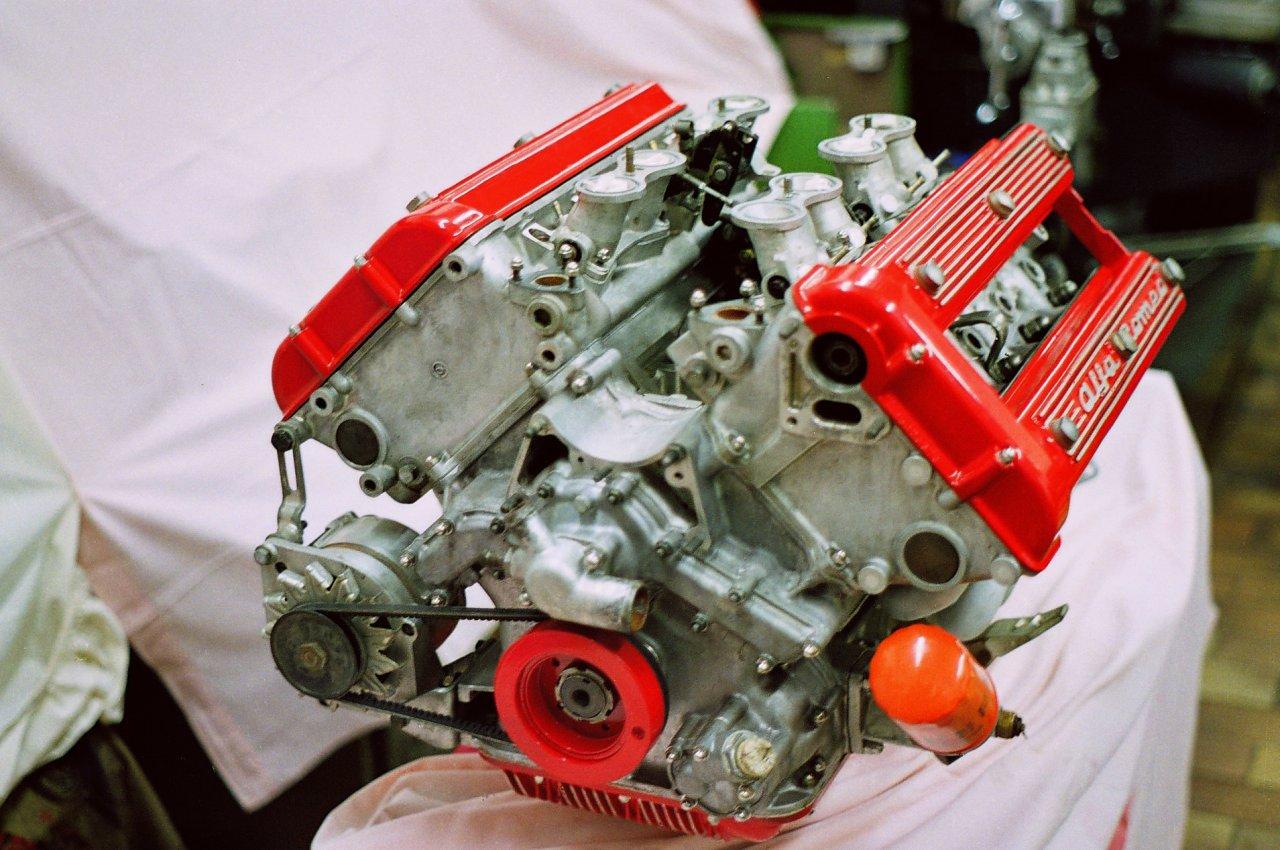 Alfa Romeo Montreal V8 engine - a photo on Flickriver