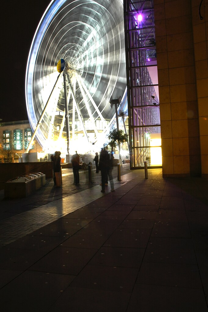 Manchester Wheel - Time Flies