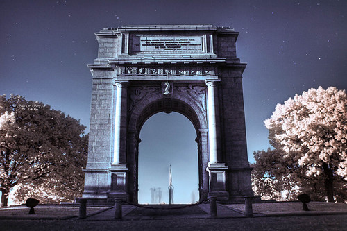 longexposure photoshop stars ir pennsylvania tripod canon350d infrared 20mm hdr valleyforge orionconstellation r72 sigma1850mm photomatix nationalmemorialarch
