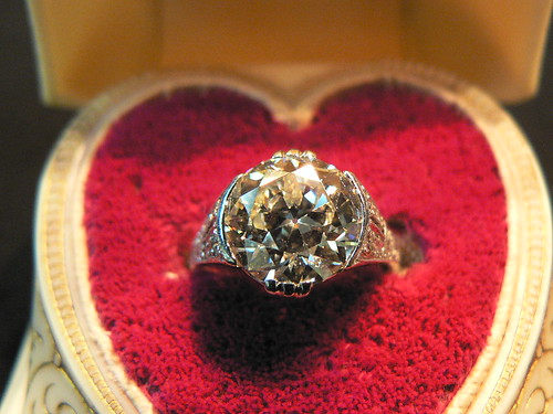 Using Family Heirlooms for your Wedding Ring