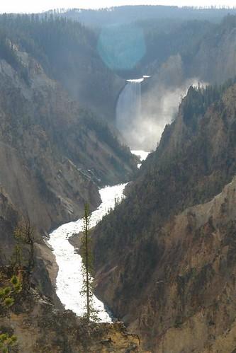 Parque Nacional Yellowstone: Cascadas Upper Falls desde el Artist Point parque nacional yellowstone - 3420332519 069b7a1e87 - Parque Nacional Yellowstone, cómo visitarlo en dos días