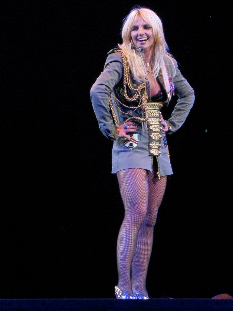 Britney Spears Montreal Concert - Smiling Britney - a ... Britney Spears Tickets