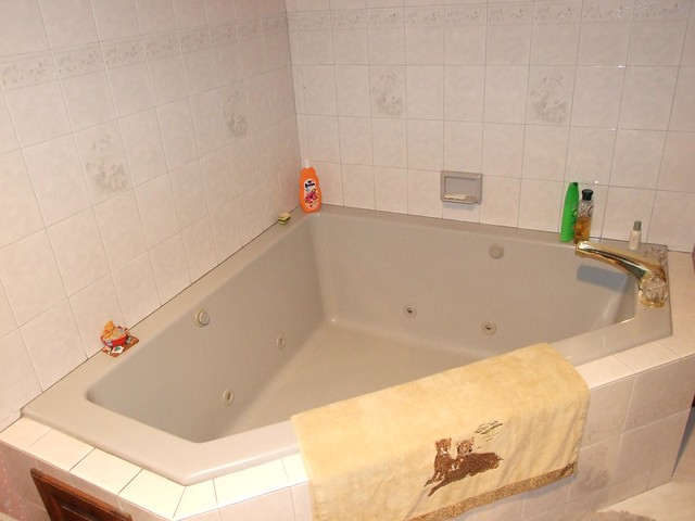 Master bath with large jacuzzi tub flickr photo sharing for Master bathroom jacuzzi