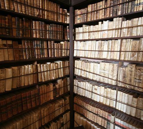 old books in Valldemossa