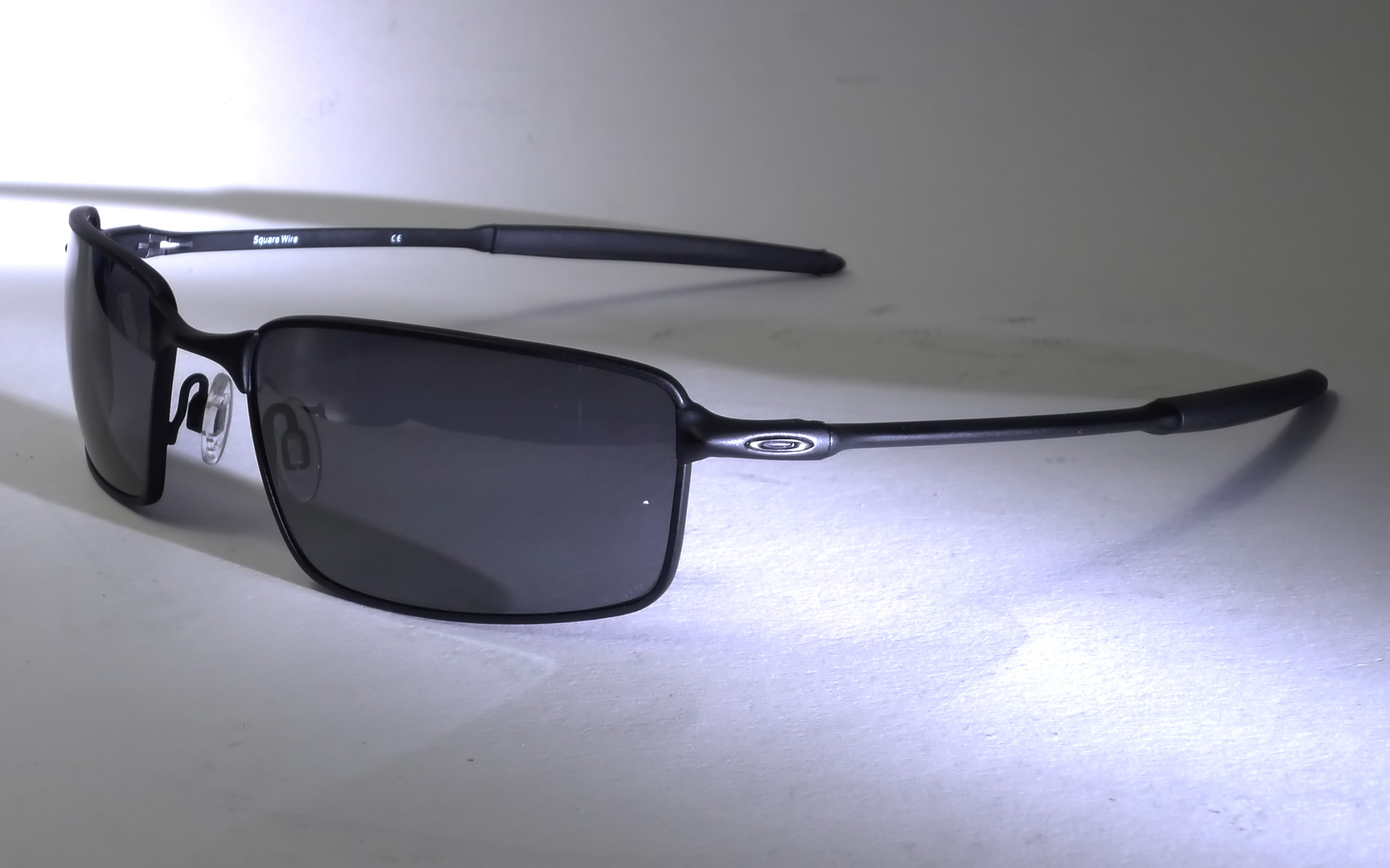 296aca156ae Oakley Square Wire Burn