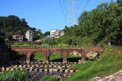 KD77大平紅橋