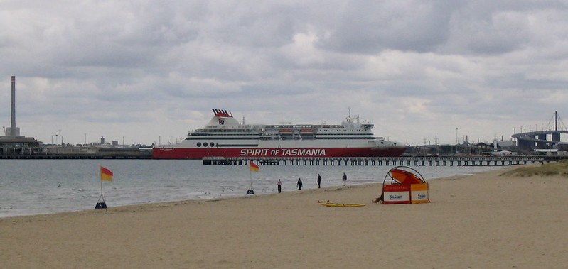 Spirit of Tasmania, from South Melbourne Beach (March 2004)
