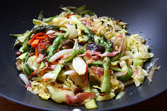 WOK DE VERDURAS CON SETAS Y BACON XIV