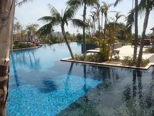 Hotel asia gardens benidorm alicante rincones secretos for Piscina climatizada benidorm