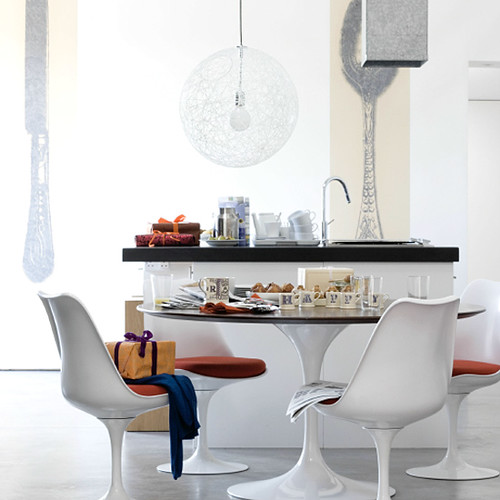 Saarinen Tulip table + chairs + walnut top