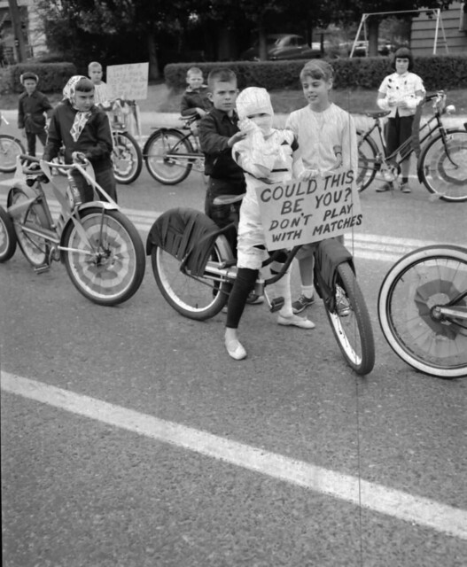 Fire Prevention Parade 1955, Bikes
