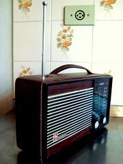 Radio Bedside Wansat 4002 - Box Courvin