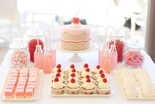 sweet little cake table