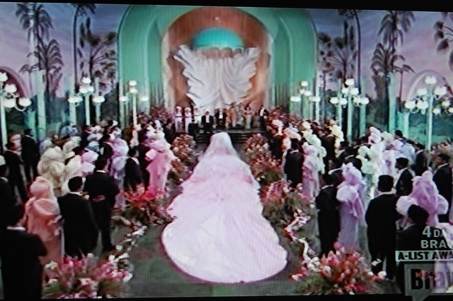 80 39 s insp coming to america wedding scene flickr for Coming to america wedding dress