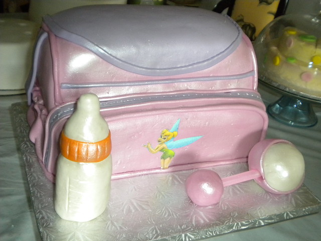 Perfect Girls Diaper Bag Cake 500 x 375 · 101 kB · jpeg