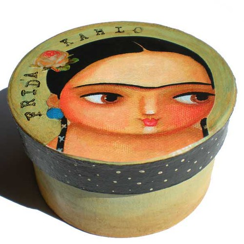 Side Frida keepsake box 2009