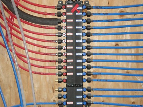 Pex manifold copper or plastic terry love plumbing for Plastic vs copper water pipes