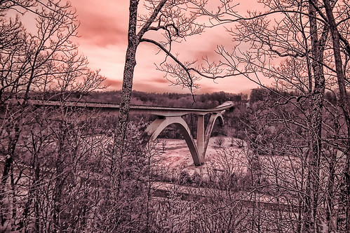 bridge canon ir nashville canoneos20d natchez infrared canonef1740mmf4lusm natcheztrace lifepixel infraredconverted