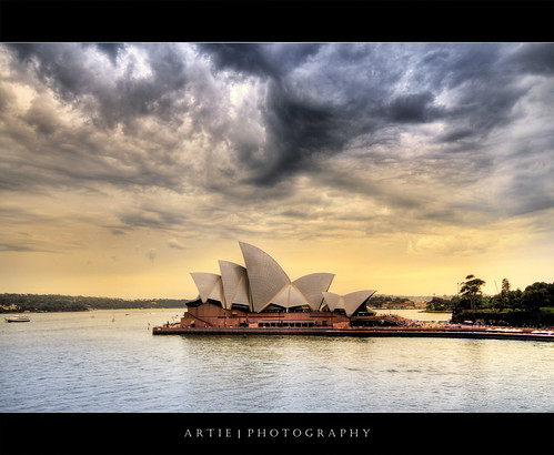 cloud storm wet rain weather architecture photoshop canon opera view angle cs2 cloudy crowd wide sydney dramatic overcast australia stormy handheld newsouthwales therock operahouse 1020mm hdr sydneyoperahouse artie 3xp sigmalens photomatix tonemapping tonemap 400d rebelxti